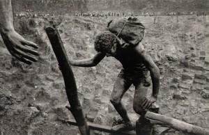 """Fotografía de Sebastián Salgado """"Workers"""""""